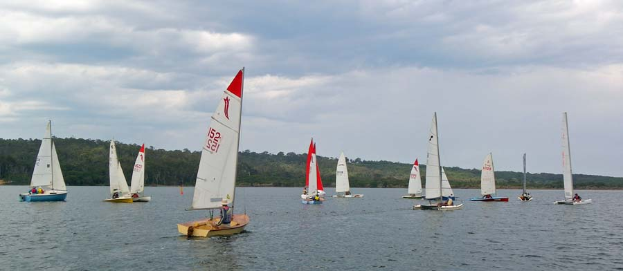 The fleet sets off at the start of race 2