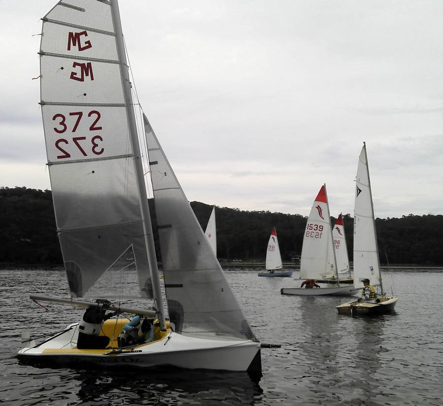 The Wizard of Oz starts off to the starboard side of the course